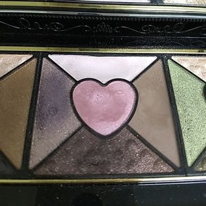 Too Faced Makeup - Too Faced Love Eyeshadow Pallet